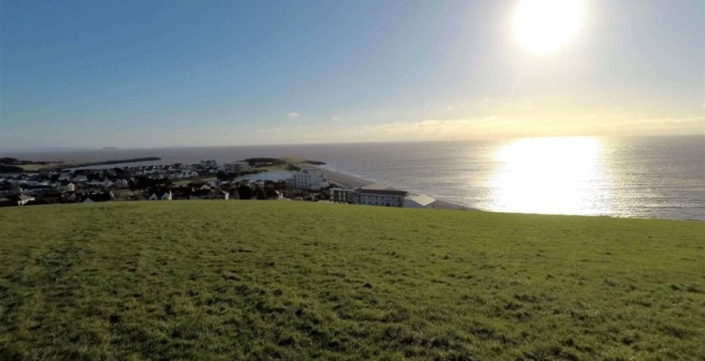 cold knap to porthkerry country park walk