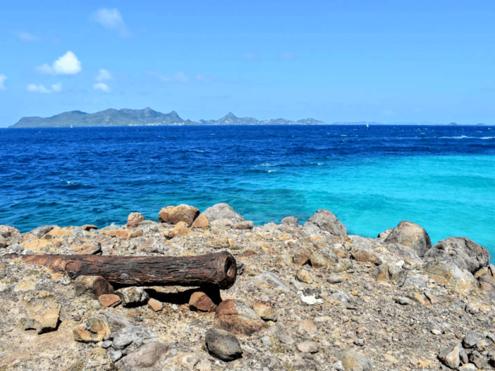 gun point carriacou with union island in the background