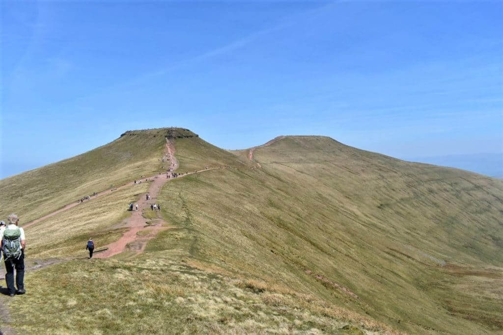 approaching corn du and pen y fan
