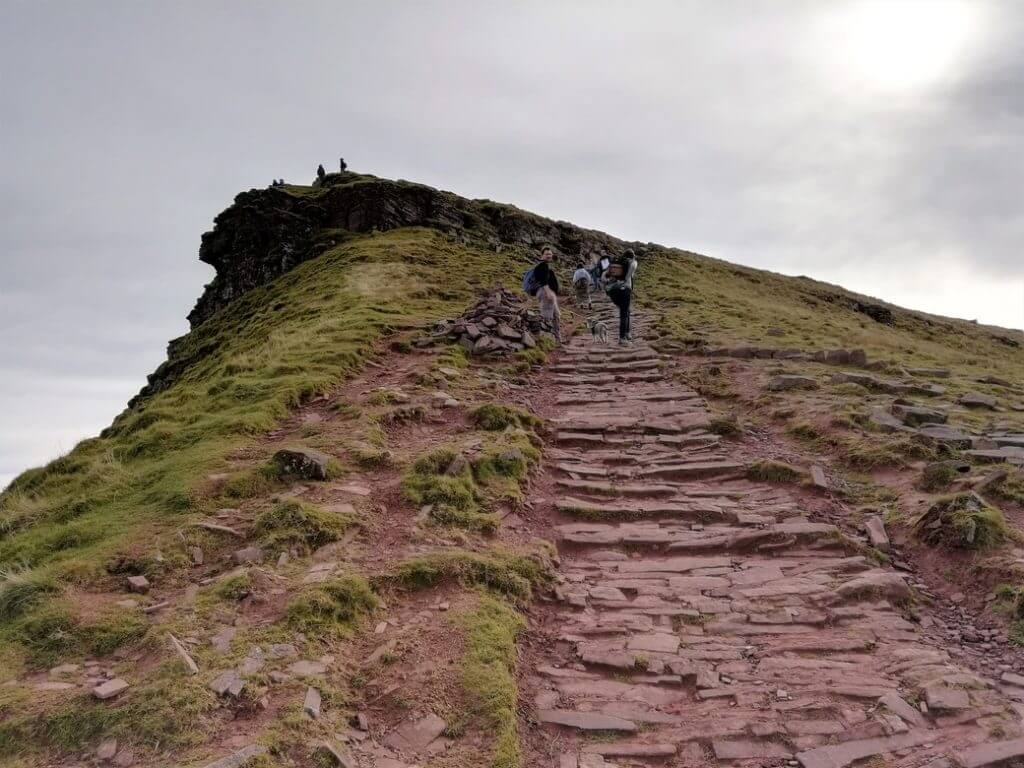 steep path to the summit of Corn Du