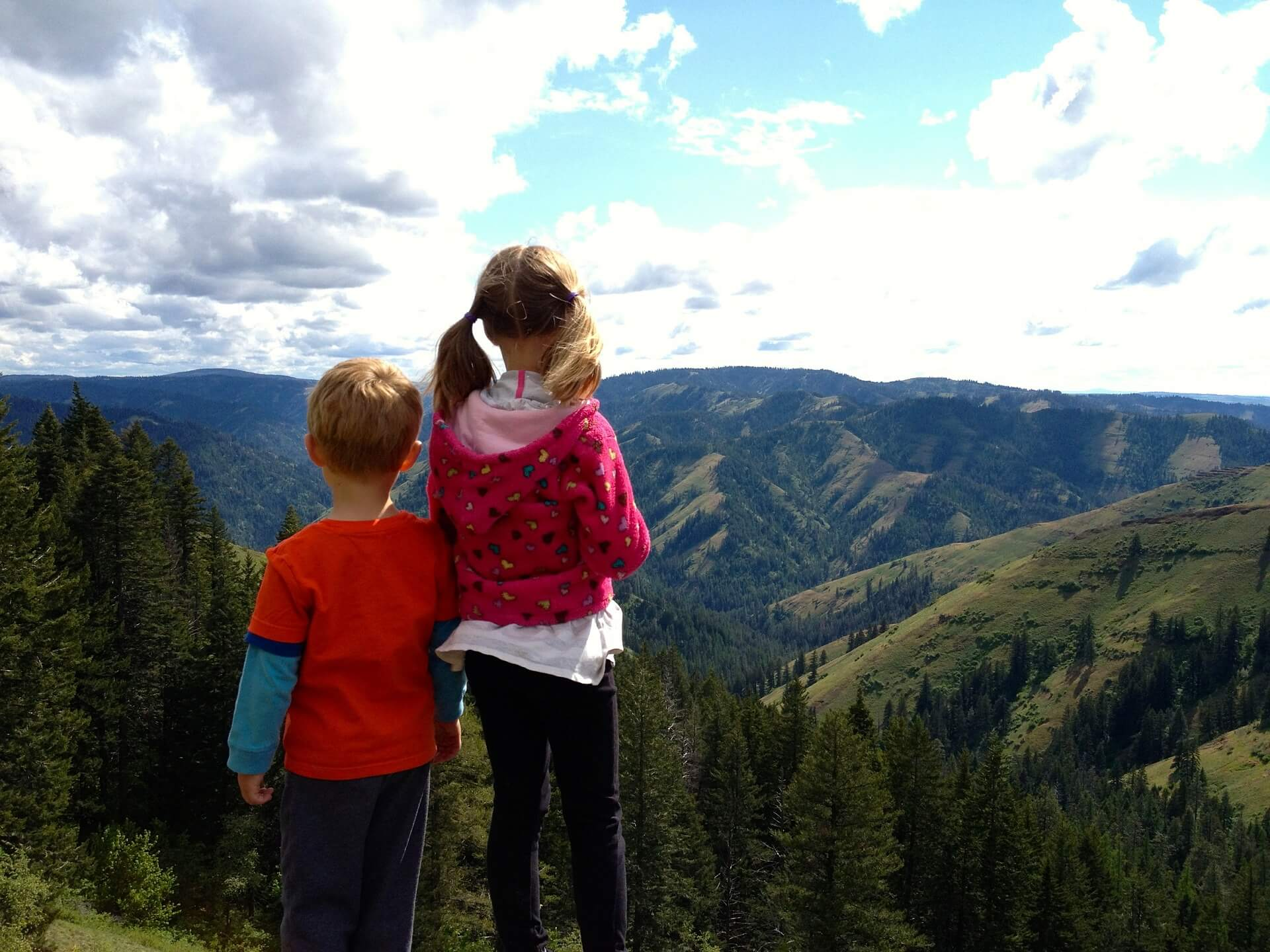 Beginner's Guide to Hiking With Kids