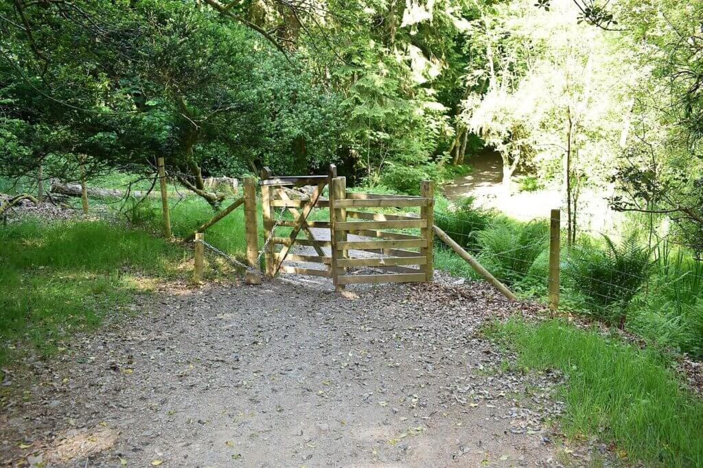 wooden kissing gate at hawse end